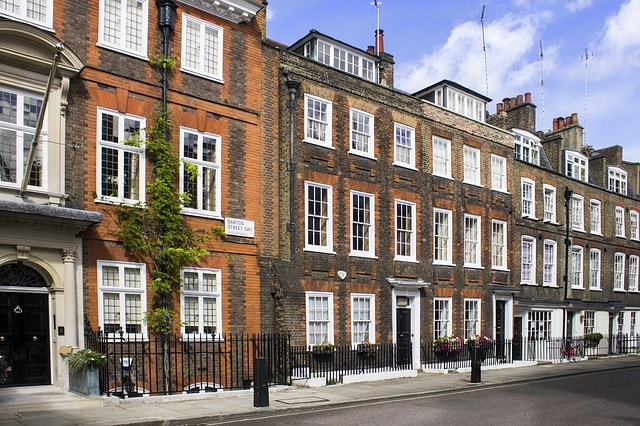 How to Find Safe Accommodation in London