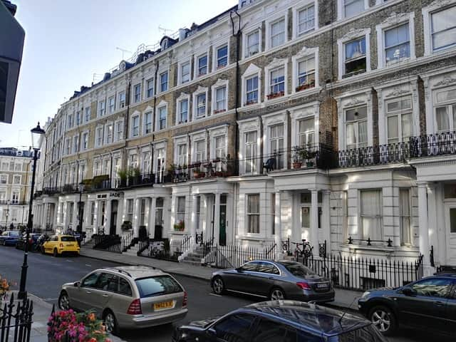row of houses in london, Alojamiento inmersión cultural