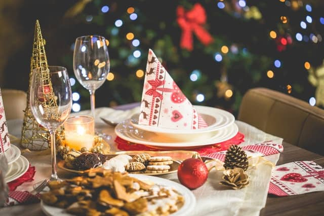 How to Make Extra Money Before Christmas as a Homestay Host