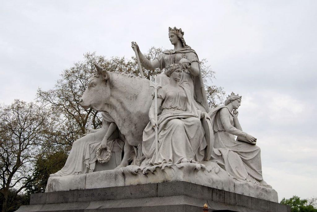albert memorial statue kensington
